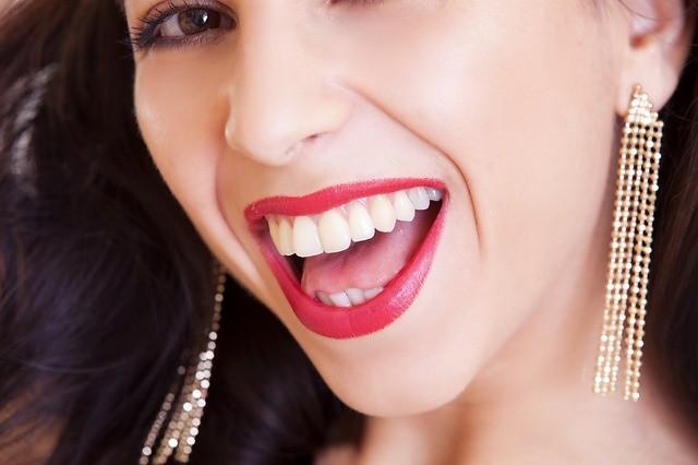 Come proteggere lo smalto dei denti