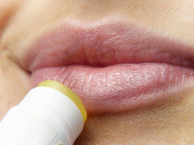 Labbra secche, rimedi e cure