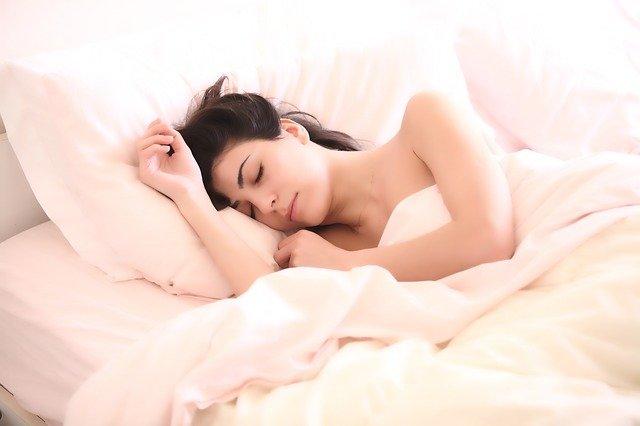 Giornata mondiale del sonno: i cibi per dormire bene