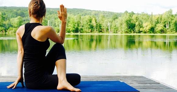 nervo sciatico infiammato cure yoga