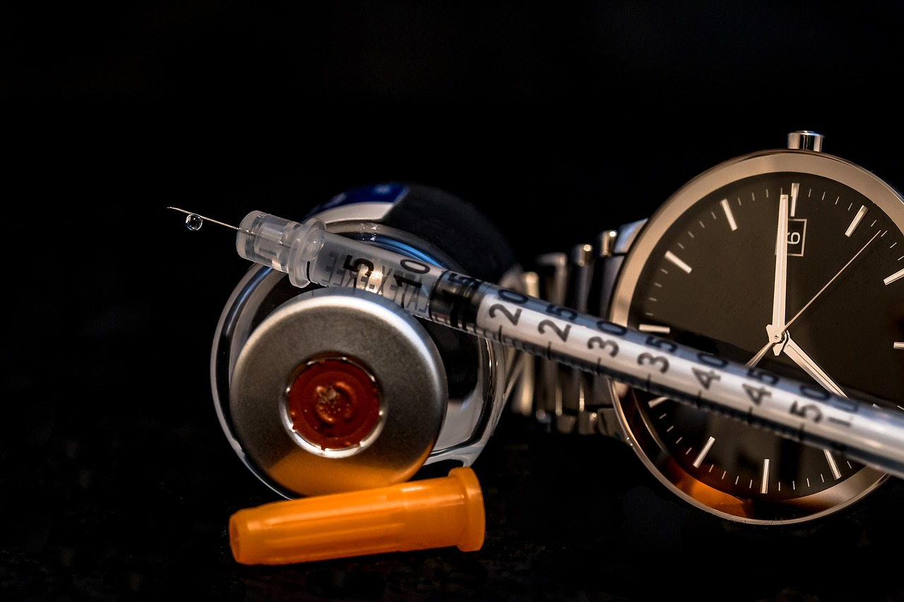 Fare iniezione insulina con la siringa